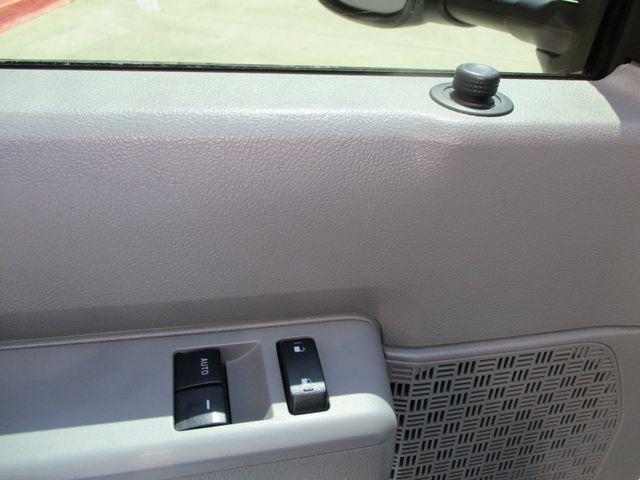 2011 Ford E-Series Cutaway Box Van w/Lift Plano, Texas 16
