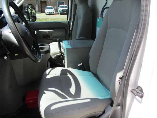 2011 Ford E-Series Cutaway Box Van w/Lift Plano, Texas 17