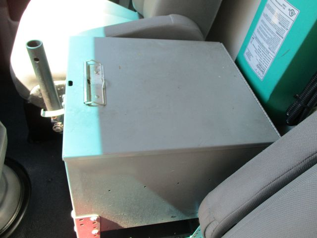 2011 Ford E-Series Cutaway Box Van w/Lift Plano, Texas 18