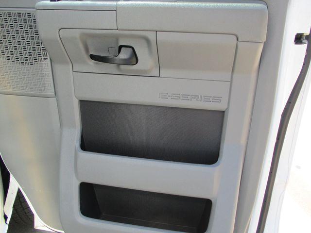 2011 Ford E-Series Cutaway Box Van w/Lift Plano, Texas 21