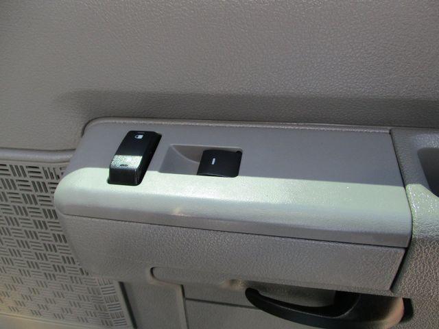 2011 Ford E-Series Cutaway Box Van w/Lift Plano, Texas 22