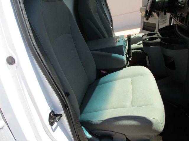 2011 Ford E-Series Cutaway Box Van w/Lift Plano, Texas 23