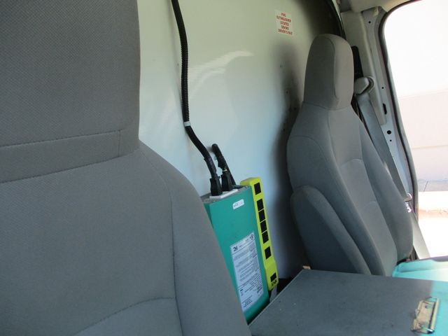 2011 Ford E-Series Cutaway Box Van w/Lift Plano, Texas 25