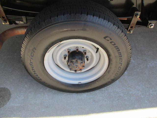 2011 Ford E-Series Cutaway Box Van w/Lift Plano, Texas 32