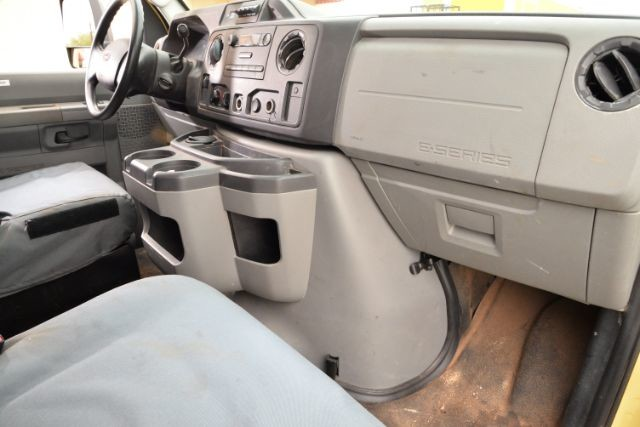 2011 Ford E-Series Cutaway E450 San Antonio , Texas 13