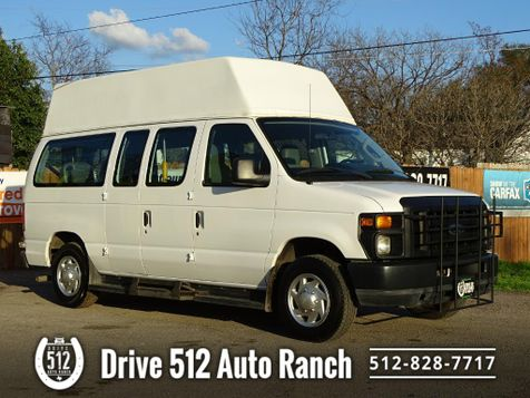 2011 Ford ECONOLINE 250 Handicap Van LIFT! in Austin, TX