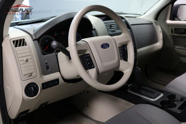 2011 Ford Escape XLS Merrillville, Indiana 9