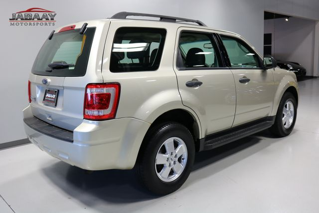 2011 Ford Escape XLS Merrillville, Indiana 4
