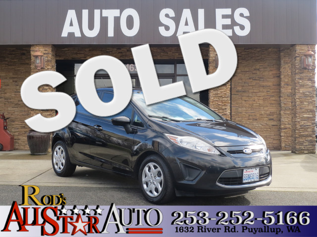 2011 Ford Fiesta SE One look at this ford fiesta and you know that the previous owner was a very i