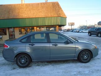 2011 Ford Focus SE Manual   city ND  Heiser Motors  in Dickinson, ND