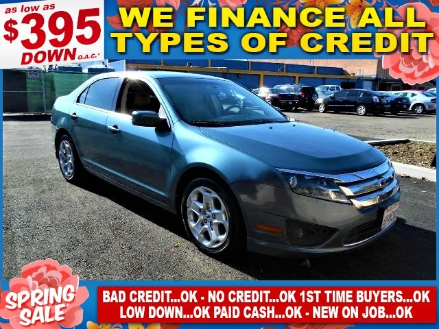 2011 Ford Fusion SE Limited warranty included to assure your worry-free purchase AutoCheck report
