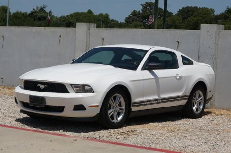 2011 Ford Mustang V6 | Lewisville, Texas | Castle Hills Motors in Lewisville, Texas