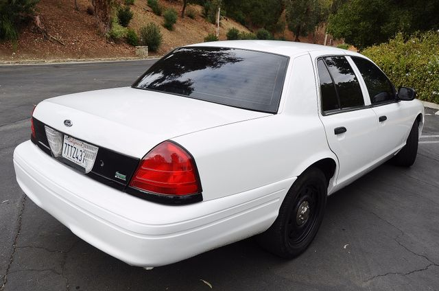 2011 Ford Crown Victoria Police Interceptor Reseda, CA 3