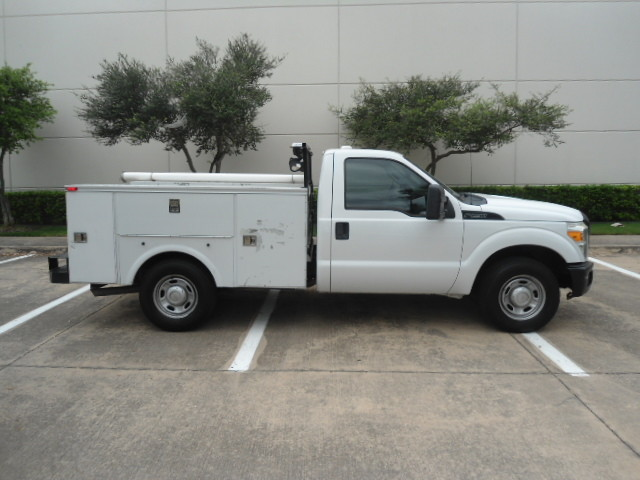 2011 Ford Super Duty F-250 Pickup XL Utility Bed Plano, Texas 1