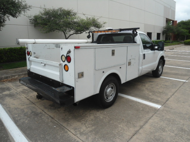 2011 Ford Super Duty F-250 Pickup XL Utility Bed Plano, Texas 2