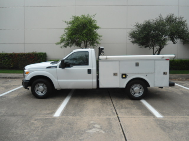 2011 Ford Super Duty F-250 Pickup XL Utility Bed Plano, Texas 8