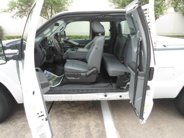 2011 Ford Super Duty F-250 Pickup XL Ext. Cab Plano, Texas 12