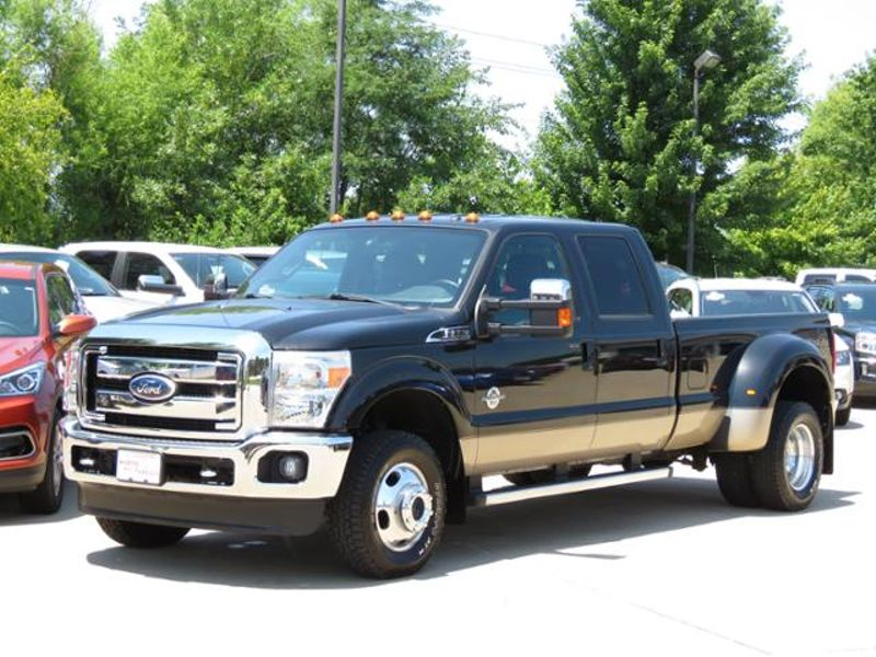 2011 Ford Super Duty F-350 DRW 4WD Crew Cab Lariat Dually  in Ankeny IA