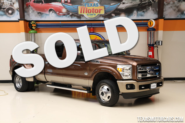 2011 Ford Super Duty F-350 King Ranch 4x4 This 2011 Ford Super Duty F-350 DRW King Ranch is in gre