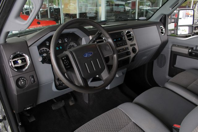 2011 Ford Super Duty F-350 DRW Pickup XLT Crew Cab Long Bed 4x4 FX4 Mooresville , NC 29