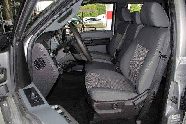 2011 Ford Super Duty F-350 DRW Pickup XLT Crew Cab Long Bed 4x4 FX4 Mooresville , NC 6