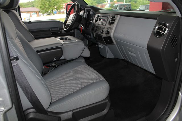2011 Ford Super Duty F-350 DRW Pickup XLT Crew Cab Long Bed 4x4 FX4 Mooresville , NC 30