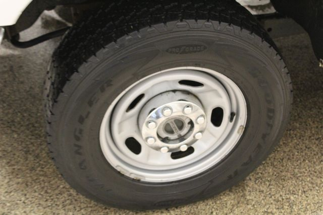 2011 Ford Super Duty F-350 SRW Chassis Cab XL Roscoe, Illinois 21