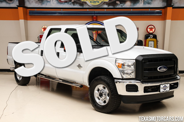 2011 Ford Super Duty F-350 XL This 2011 Ford Super Duty F-350 SRW Pickup XL is in great shape with