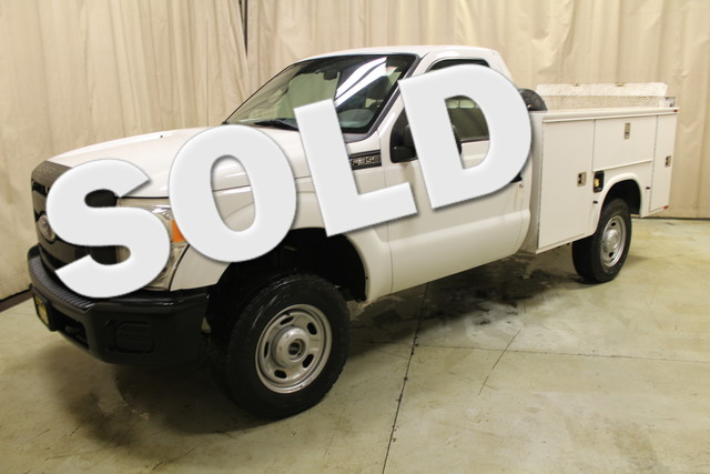 2011 Ford Super Duty F-350 SRW Pickup XL Utility truck Roscoe, Illinois 0