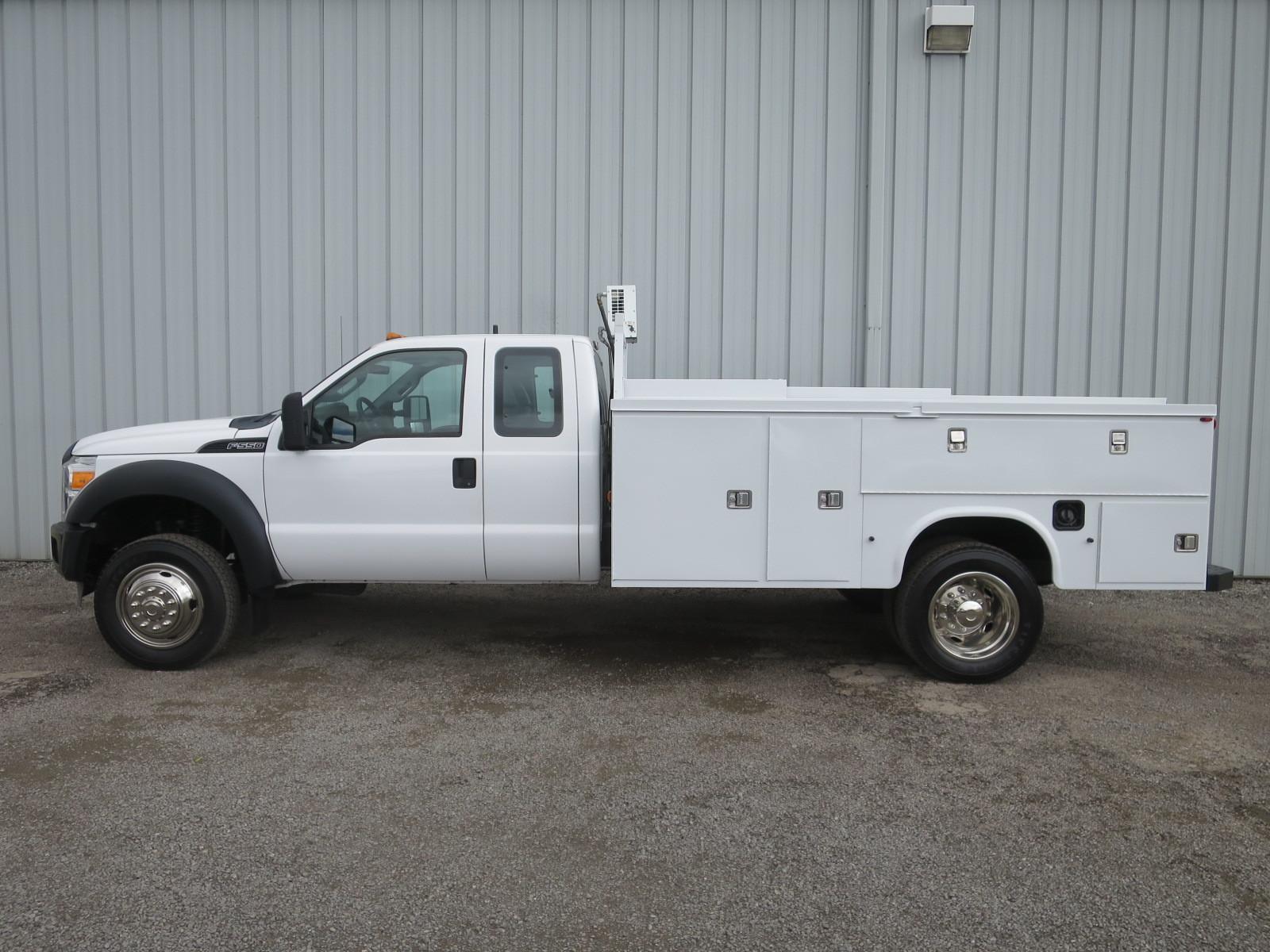 F550 V 10 Gas Ext Cab 11ft Utility Service Compressor
