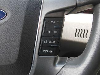2011 Ford Taurus SEL Clinton, Iowa 11