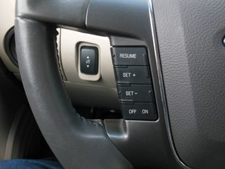 2011 Ford Taurus SEL Clinton, Iowa 12