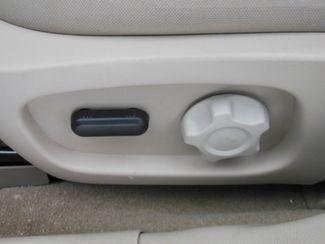 2011 Ford Taurus SEL Clinton, Iowa 16