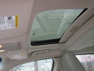 2011 Ford Taurus SEL Clinton, Iowa 17