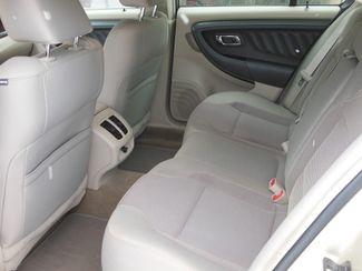 2011 Ford Taurus SEL Clinton, Iowa 5