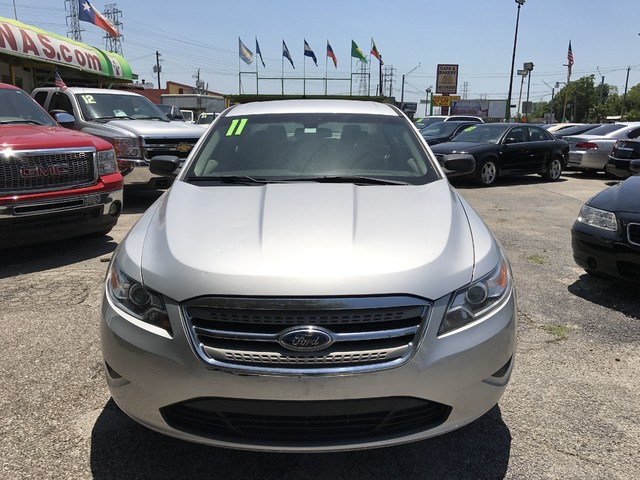 2011 Ford Taurus SE Houston, TX 1