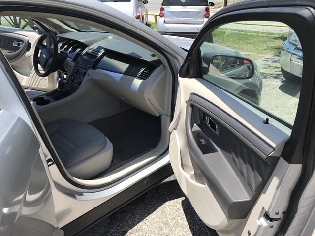 2011 Ford Taurus SE Houston, TX 15