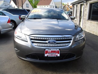 2011 Ford Taurus Limited Milwaukee, Wisconsin 1