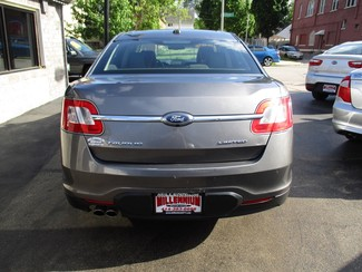 2011 Ford Taurus Limited Milwaukee, Wisconsin 4