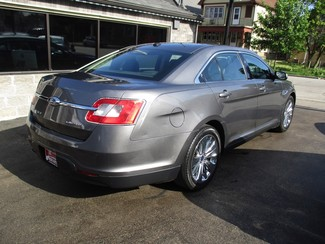 2011 Ford Taurus Limited Milwaukee, Wisconsin 3