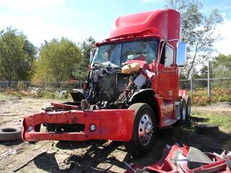 2011 Freightliner Columbia Ravenna, MI 1
