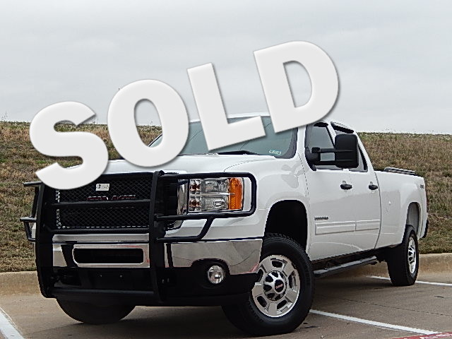 2011 GMC Sierra 2500HD SLE PERFECT WORK TRUCK FOR THE CREW AND PLENTY OF GEAR She is a Vortec 60