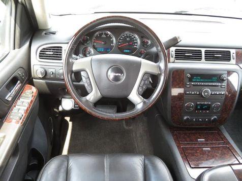 2011 GMC Sierra 2500HD Denali 4WD Crew Cab Sunroof/Bushwackers/Chrome20s in Des Moines, IA