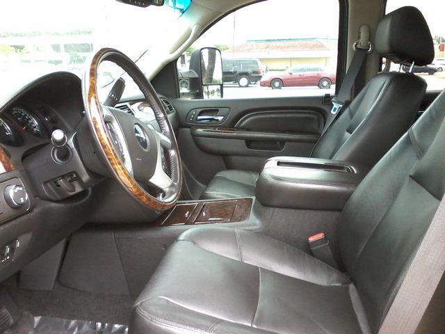 2011 GMC Sierra 2500HD Denali 4X4 San Antonio, Texas 9