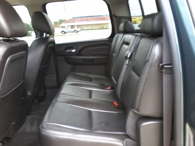 2011 GMC Sierra 2500HD Denali 4X4 San Antonio, Texas 10