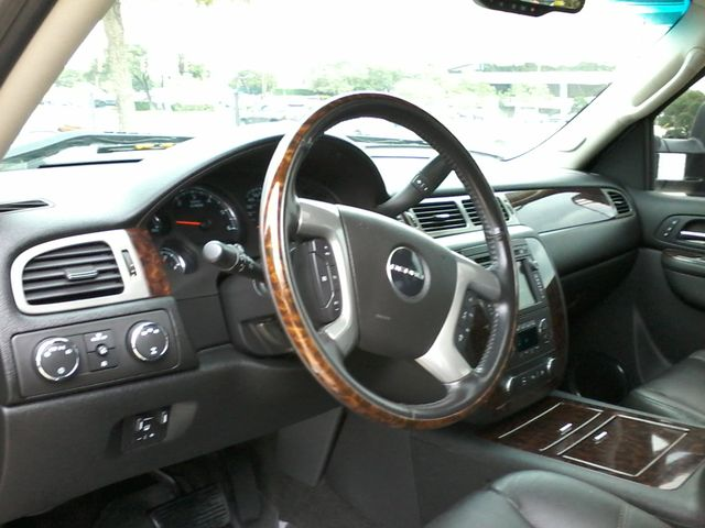 2011 GMC Sierra 2500HD Denali 4X4 San Antonio, Texas 16