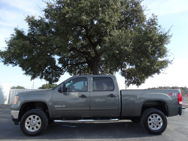 Used and pre owned buick chevrolet gmc at smith motors for Sierra motors san antonio tx