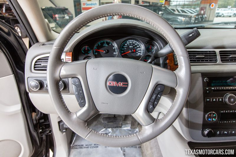 2011 GMC Yukon SLT 4X4  in Addison, Texas