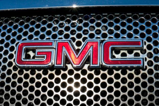 2011 GMC Yukon Denali  4WD - AUTO - NAVI - DVD - TOW PKG Reseda, CA 45