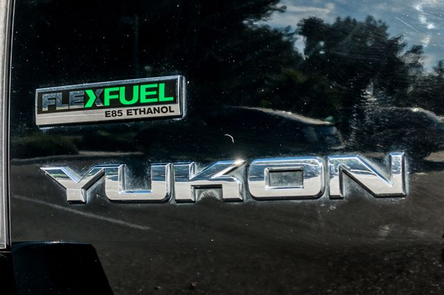 2011 GMC Yukon Denali  4WD - AUTO - NAVI - DVD - TOW PKG Reseda, CA 44